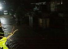 शुक्रबार राति काठमाडौं उपत्यकामा भीषण वर्षा, कपनको सडकमै खोला बग्यो